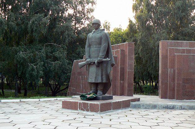 Хвилиною мовчання закарпатці вшанують пам'ять загиблих уДругій Світовій війні