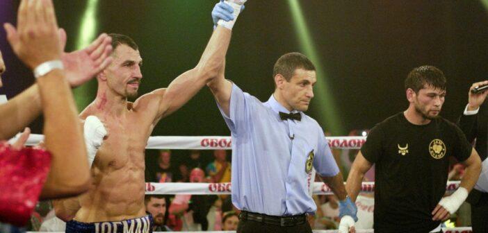 Бій боксера-броварця Віктора Постола скасували через смертельний коронавірус