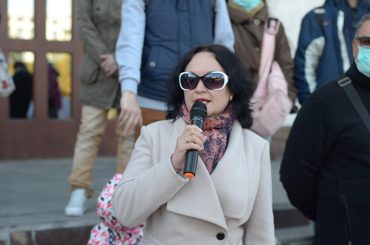 Ірина Веремчук виступає на екологічний акції протесту
