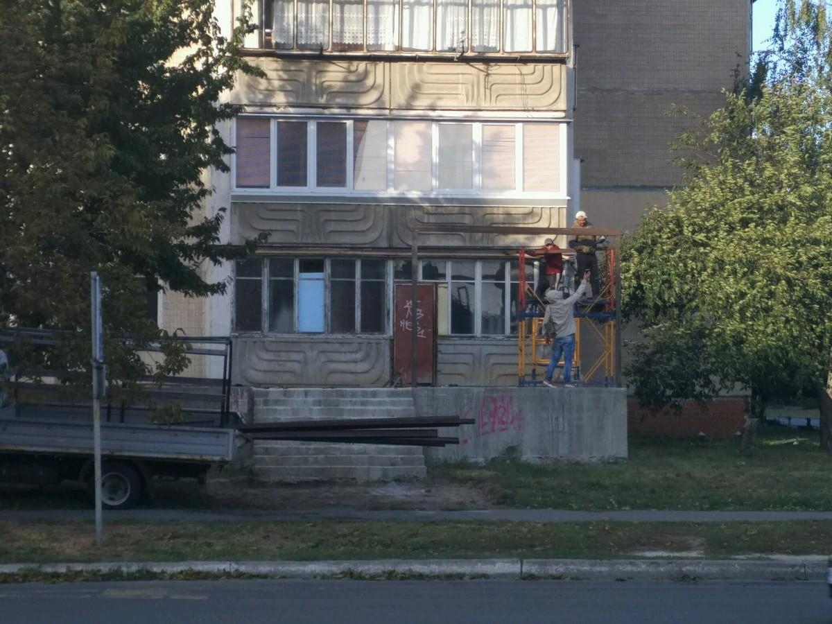 Грушевськго, 3