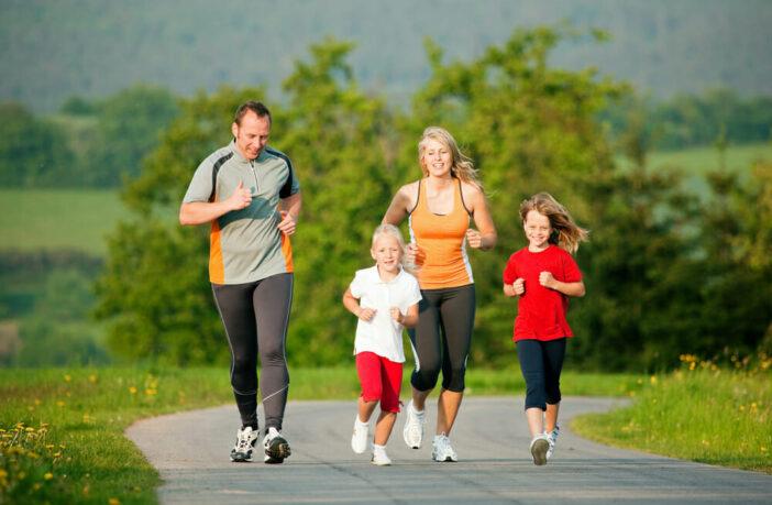 біг родина сім'я фізкультура спорт
