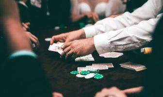 гра карти казино