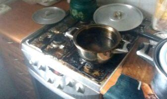 Пригоріла їжа