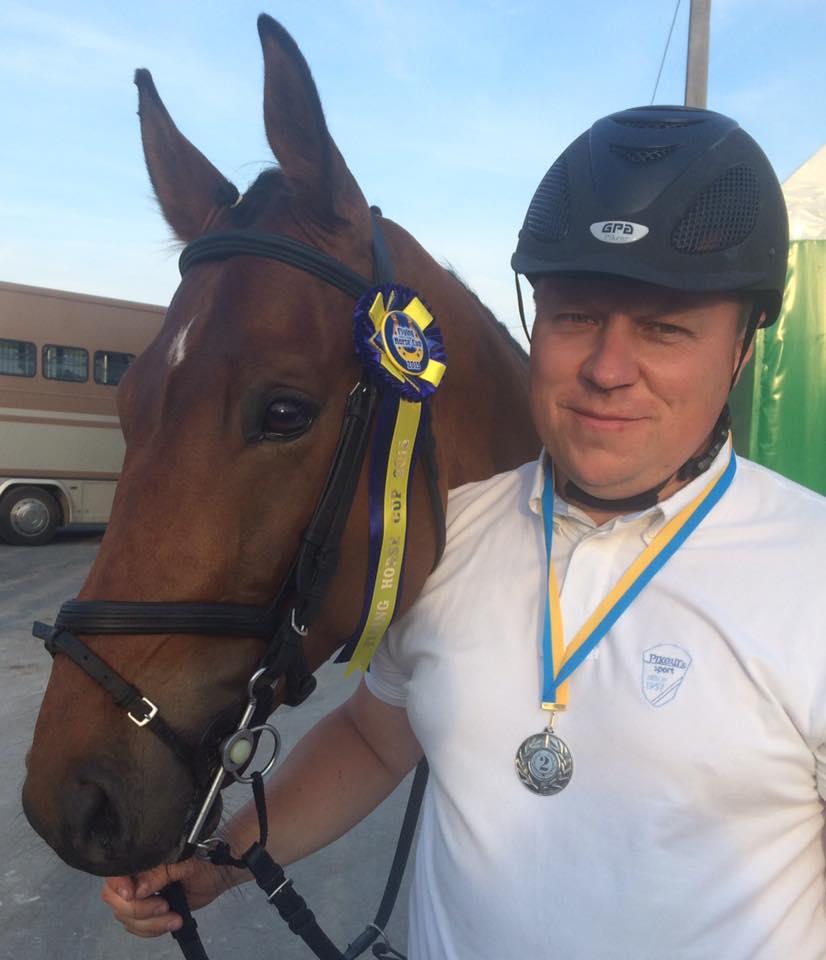 Олег Кищук і кінь