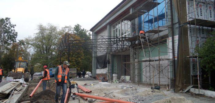 Приймальне відділення броварської лікарні ремонтують під стандарт брендбуку. ФОТО