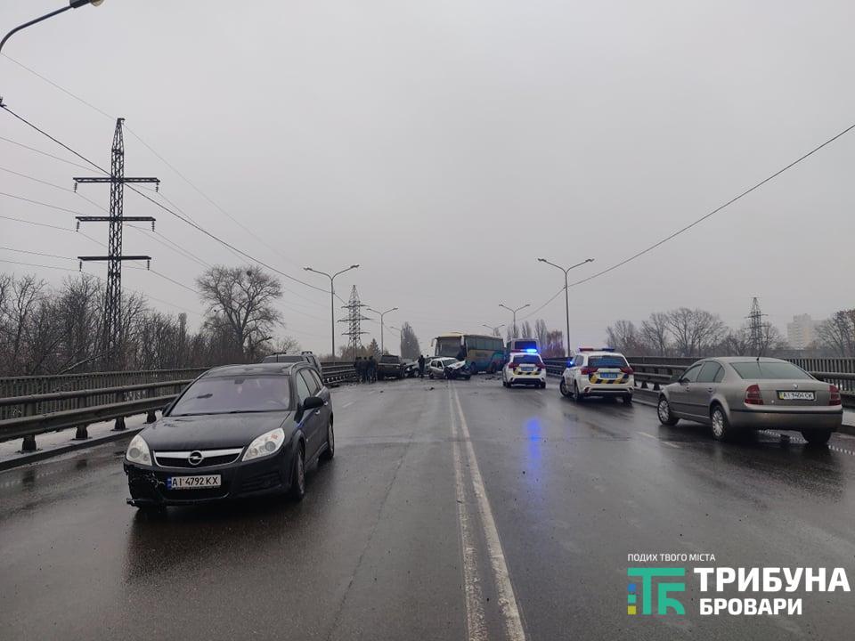 Масштабна ДТП на торгмашівському мосту 03.12.2020, фото Карпій