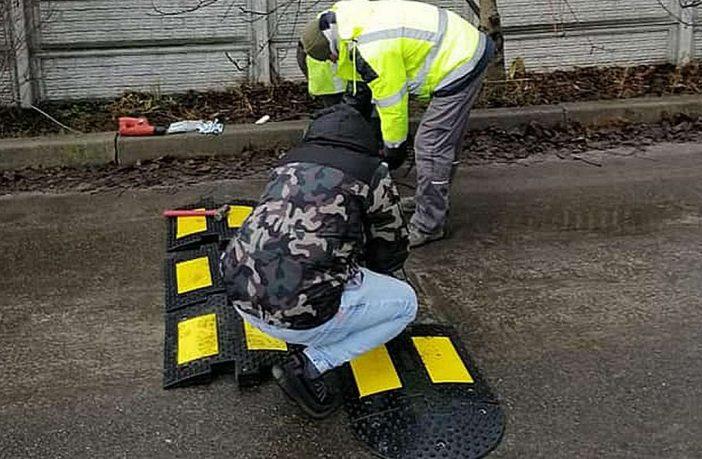 Встановлення лежачих поліцейських