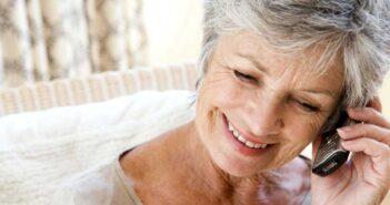 Для пенсіонерів та самотніх людей запрацював «Мій телефонний друг»