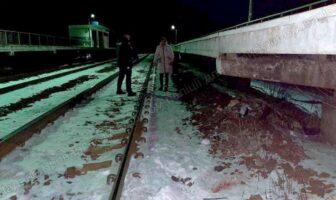 Потяг поїзд збив людину у Бобрику 06.02.2021