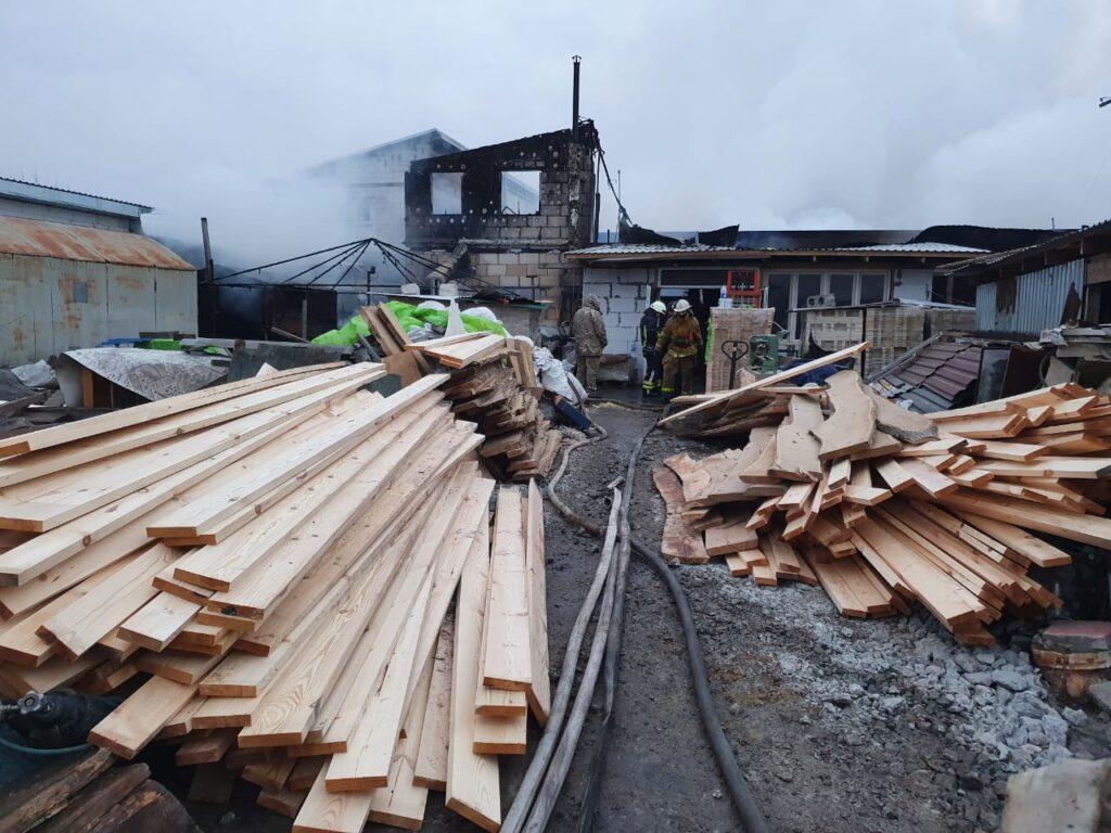 Пожежа в Красилівці на пилорамі, фото - ДСНС