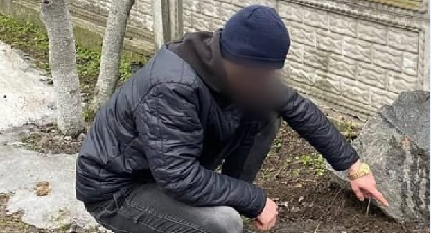 У Броварах поліціянти затримали наркозбувачів під час «закладок»