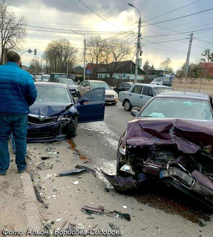 ДТП, аварія на перехресті Мудрого та Гоголя, 26.04.2021, фото - Альона Борисова-Сидорова