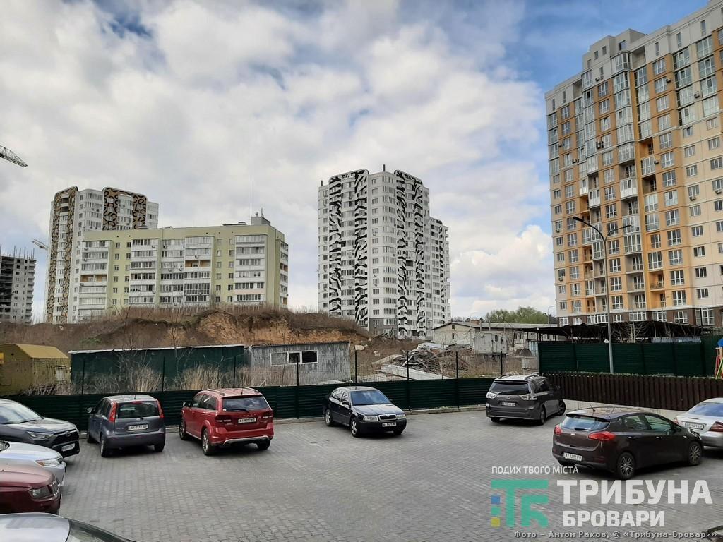 Вул. Василя Симоненка, 115