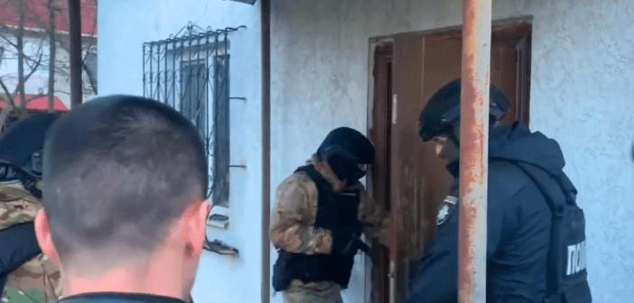 Грабували оселі на Броварщині: правоохоронці затримали групу крадіїв. ВІДЕО