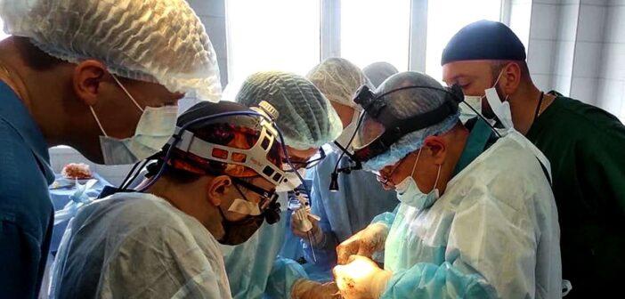 Броварчанину провели унікальну операцію з пересадки нирки. ВІДЕО