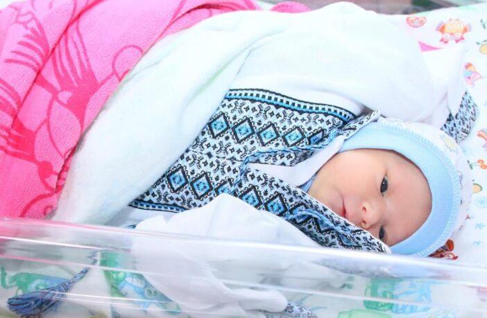 малюк у вишиванці