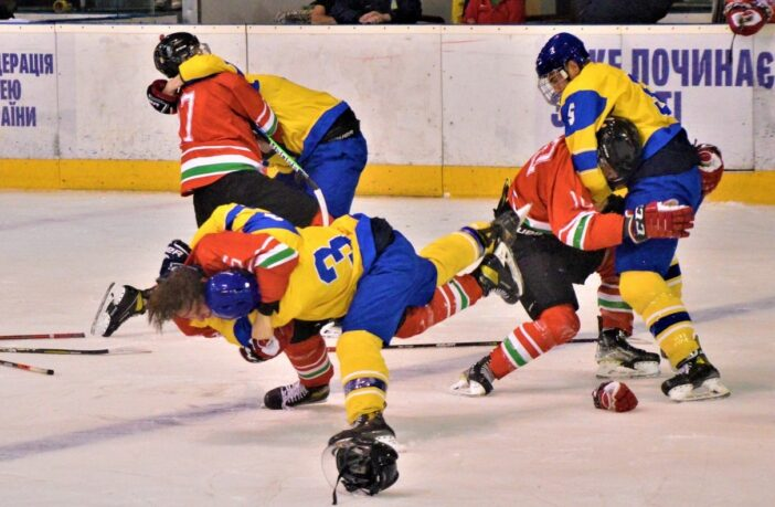 Хокей, Україна - Угорщина, бійка, фото - Sport.ua